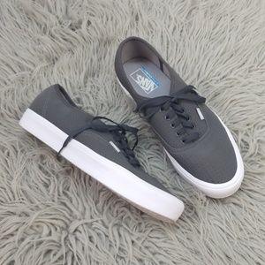Vans Ultracush Gray White Skate Shoes Sneakers 12